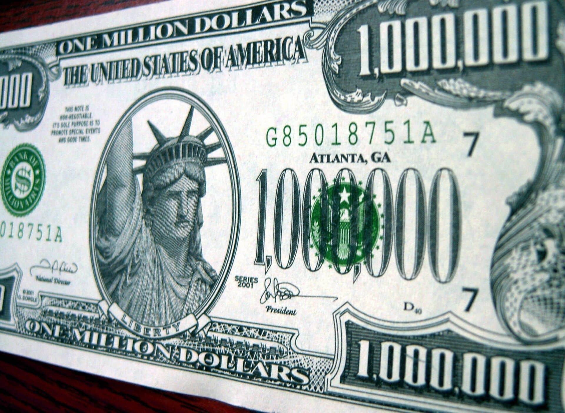 Aprenda como ganhar dinheiro com a internet sem complicações