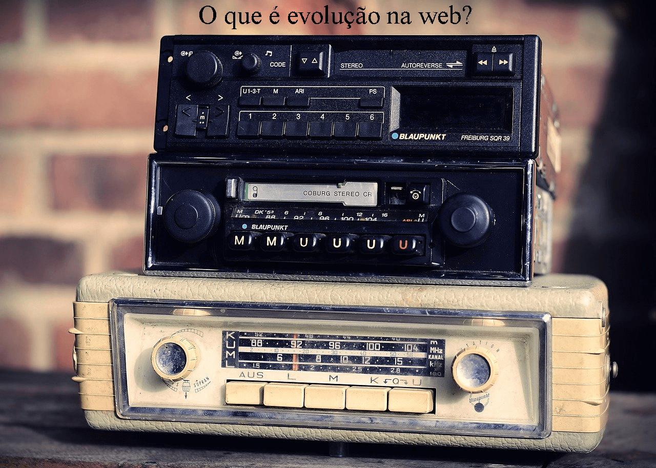 O que rádios-relógios e Web sites têm em comum?